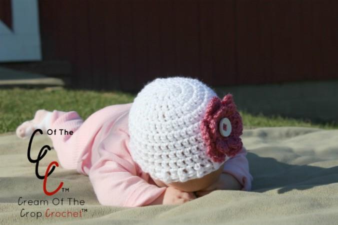Cream Of The Crop Crochet ~ Preemie/Newborn Flower Hats {Free Crochet Pattern}