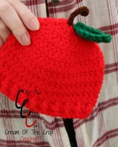 Cream Of The Crop Crochet ~ Preemie/Newborn Apple Hats {Free Crochet Pattern}