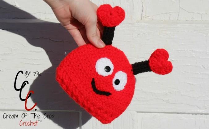 Cream Of The Crop Crochet ~ Preemie/Newborn Love Bug Hats {Free Crochet Pattern}