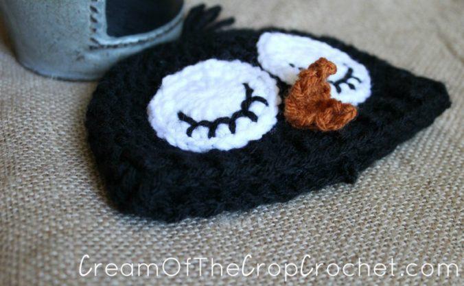 Cream Of The Crop Crochet ~ Preemie/Newborn Adorable Penguin Hats {Free Crochet Pattern}