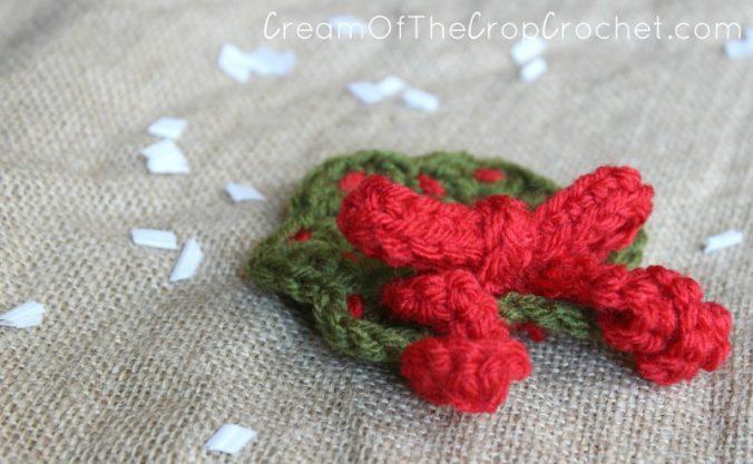 Cream Of The Crop Crochet ~ Christmas Wreath Applique {Free Crochet Pattern}